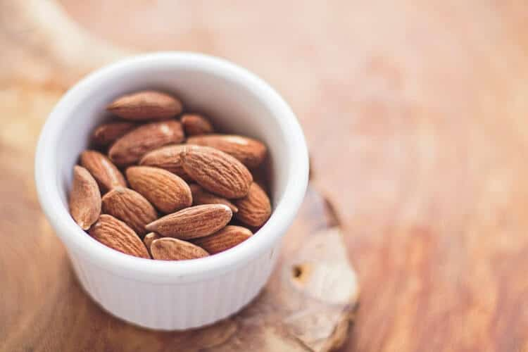 best healthy snacks almond